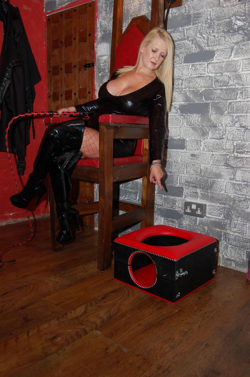 london-mistress-0094.jpg