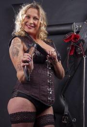 huddersfield-mistress_0041