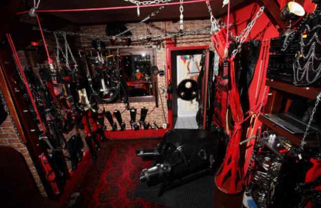 London Dungeon Hire for UK Mistresses