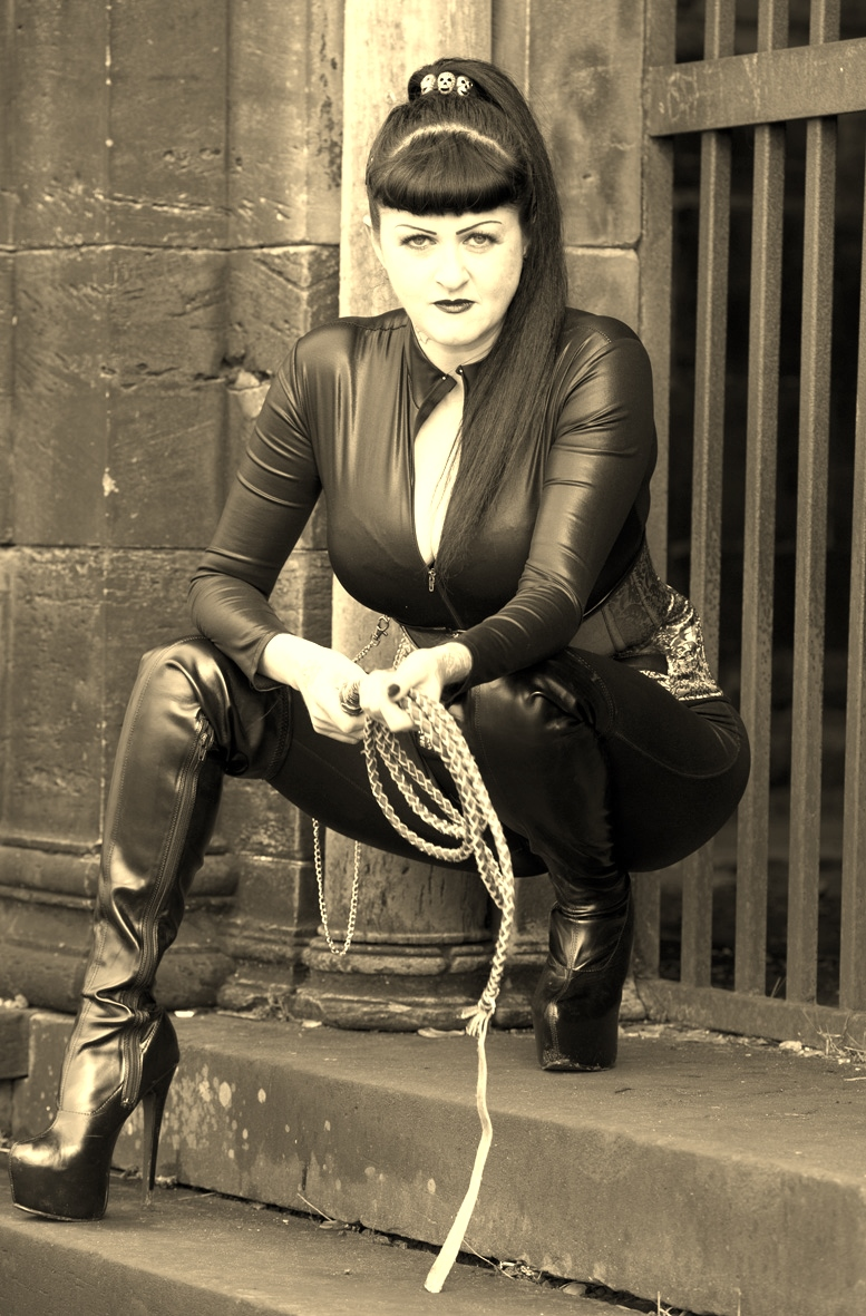 'Mistress Argenta' Photo Shoot, Necropolis & Bridgeton, Glasgow, February 2015.